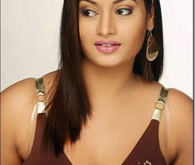 South New Hot Girl Suja Sexy Pictures